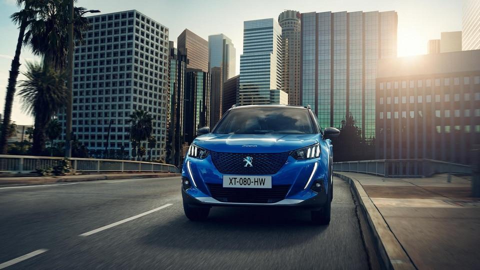 Nuevo SUV eléctrico PEUGEOT e-2008: el SUV compacto eléctrico potente, dinámico y eficiente