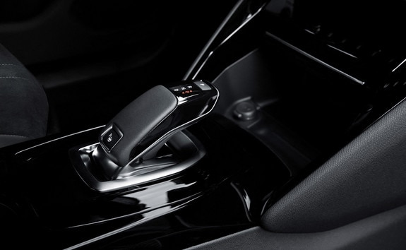 Nuevo SUV eléctrico PEUGEOT e-2008: frenado regenerativo